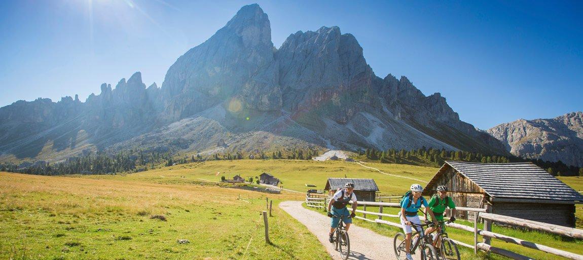 Vacanze estive attive – Equitazione, mountain bike e arrampicate nelle Dolomiti