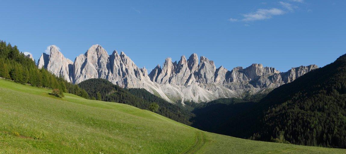 Escursioni nelle Dolomiti durante una vacanza in famiglia in Val di Funes